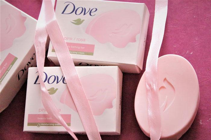 صابون زیبایی داو مدل Dove Pink صورتی وزن 135 گرم